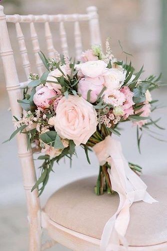 Ways to preserve your wedding bouquet